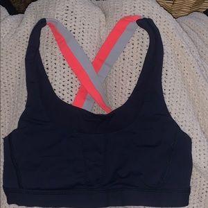 Size 4 Navt lululemon sports bra